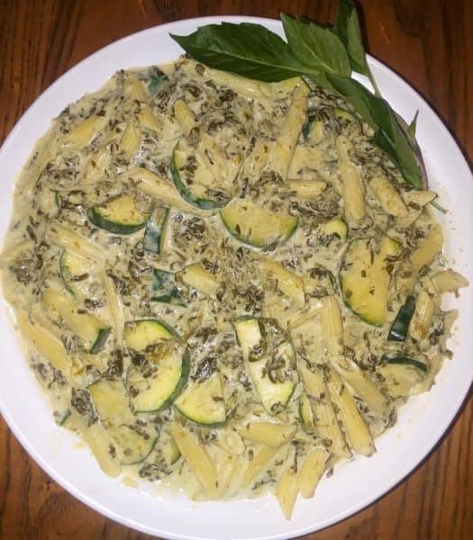 Pasta, zucchini, spinach