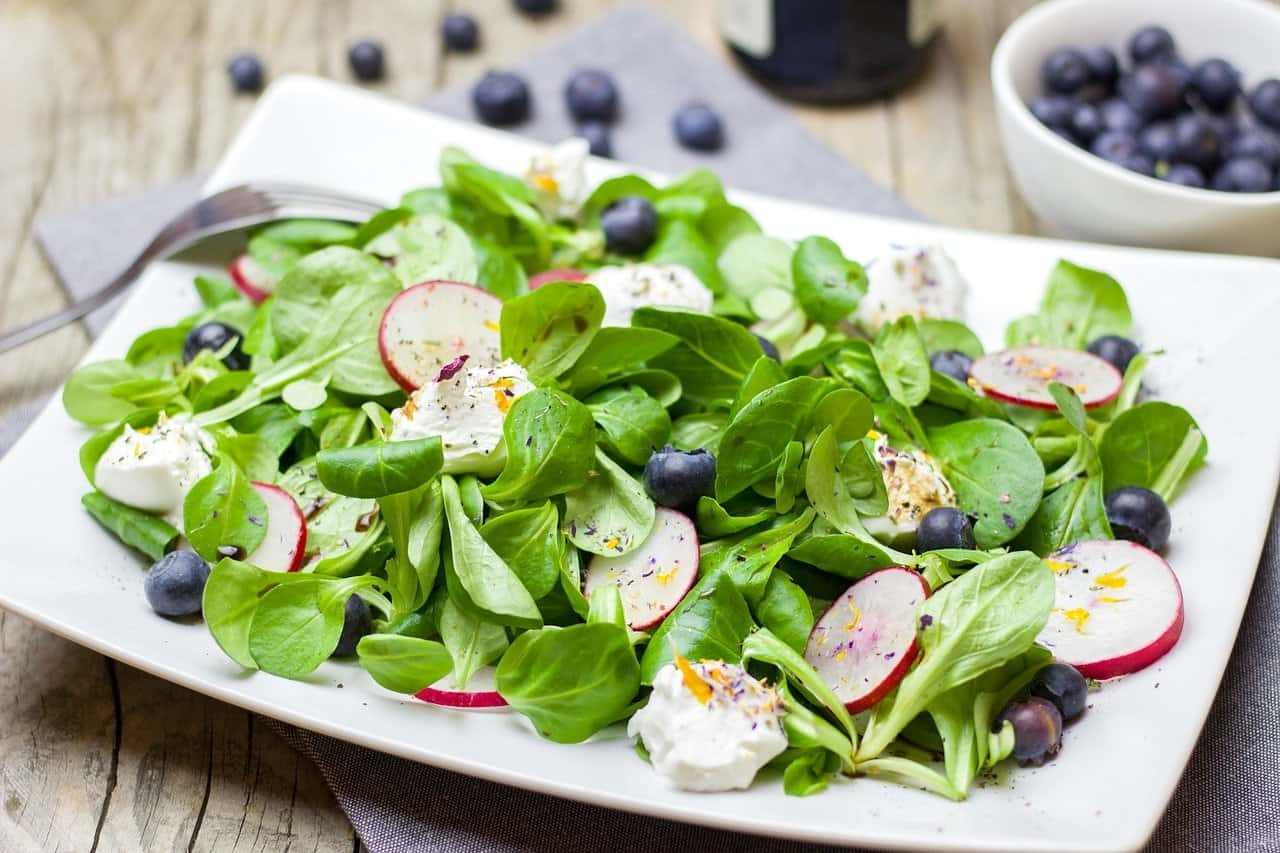 14 Easy And Healthy Dinner Salad Recipes